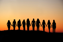 10-women-holding-hands